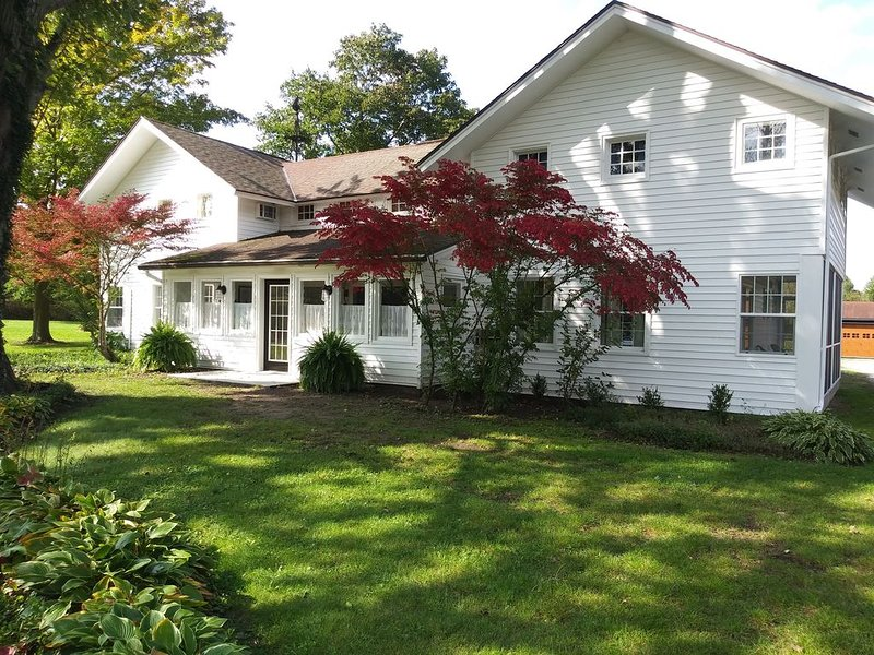 50% Discount on Fall Weeks - Sanitized House, Heated Pool, vacation rental in Glenn