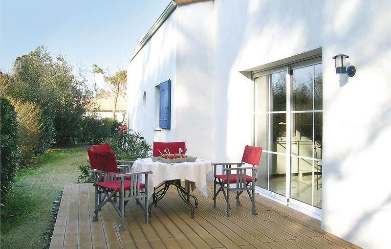 4 bedroom accommodation in Longeville Sur Mer, vacation rental in Longeville-sur-mer