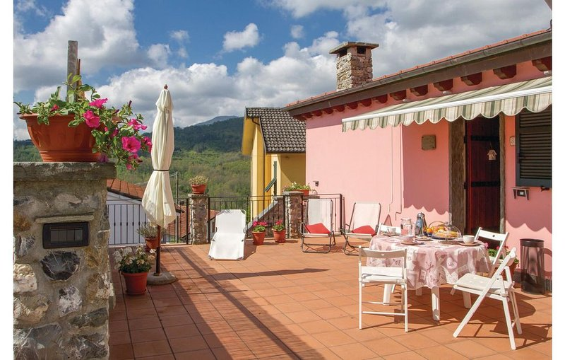 2 bedroom accommodation in Cembrano Maissana -SP-, holiday rental in Tornolo