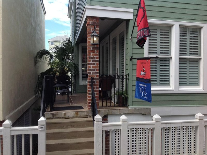 Sunny Dunes - 118 Boardwalk -- Competitive Rates with no extra fees, holiday rental in Isle of Palms