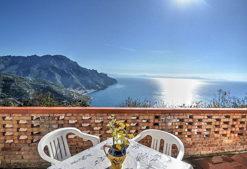 Villa Giannino B: Un caratteristico e accogliente appartamento che è parte di un, vakantiewoning in Ravello