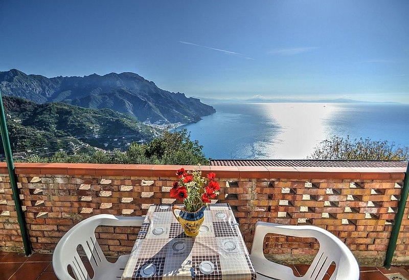 Villa Giannino A: Un caratteristico e accogliente appartamento che è parte di un, vakantiewoning in Ravello