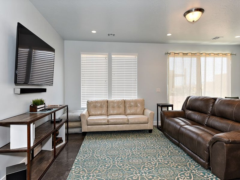 Desert Cool at The Ledges Golf Club *Resort Amenities Included!, vacation rental in St. George