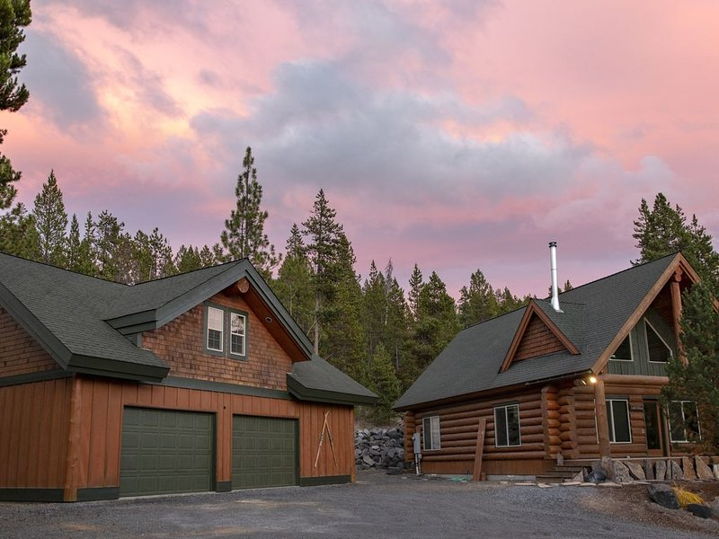 Gorgeous Custom Diamond Peaks Cabin, vacation rental in Crescent Lake