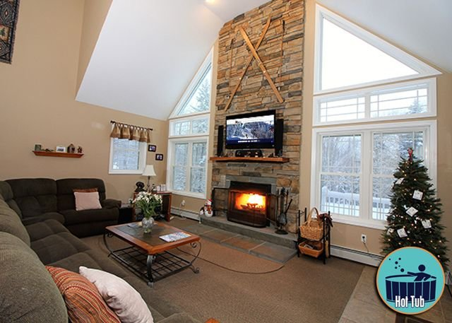 Deluxe home w/ private hottub & game room,close to the skyeship gondola Queen, location de vacances à Killington