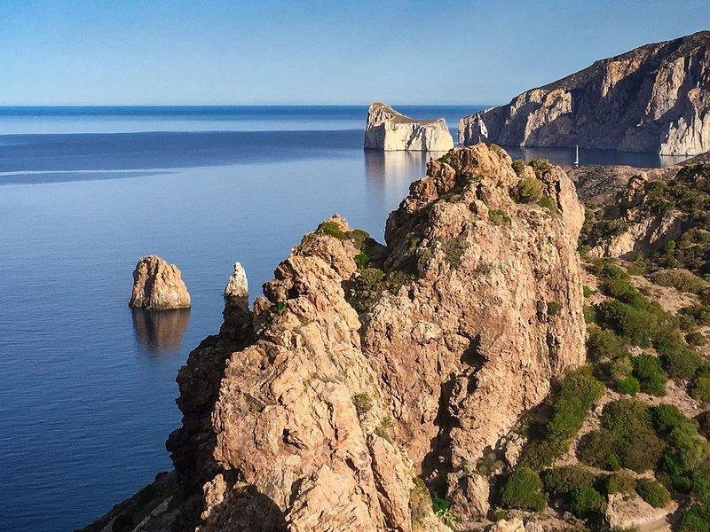 Nebida-Iglesias: Villa Laura, la tua vacanza da sogno in Sardegna IUN P5469, vacation rental in Portixeddu