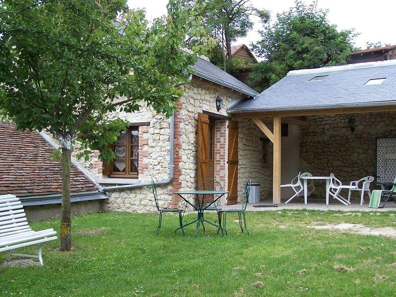 maison de campagne, près d'Amboise et châteaux, balançoires et jardin, location de vacances à Indre-et-Loire