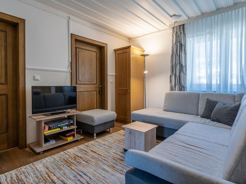 Large holiday home only a few minutes by car from Kaprun/Zell am See, aluguéis de temporada em Piesendorf