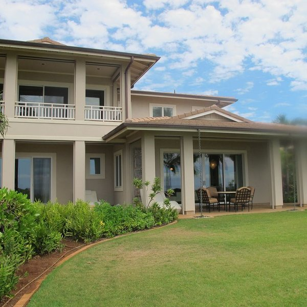 Lanai Ocean Views, Sweetheart Rock and a Beach the Dolphins Love!, holiday rental in Lanai