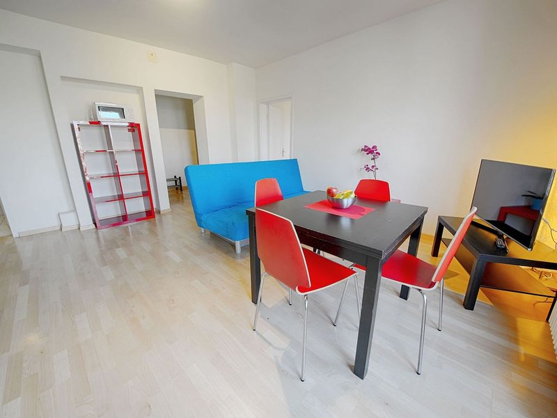 ZH Botteron - Stauffacher HITrental Apartment, holiday rental in Zurich