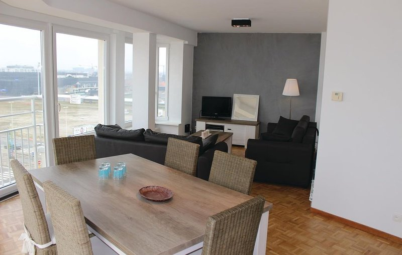 2 bedroom accommodation in Oostende, holiday rental in Ostend