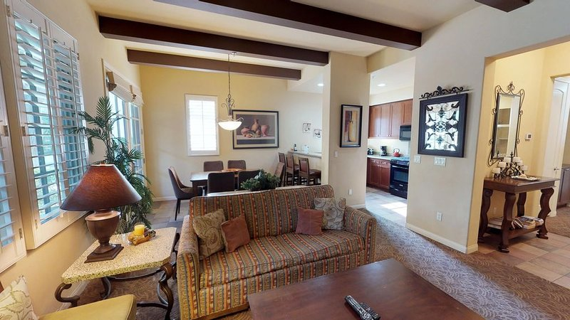 A Single Story Two Bedroom, Two Bathroom Villa Near the Main Pools and Gym!, holiday rental in La Quinta