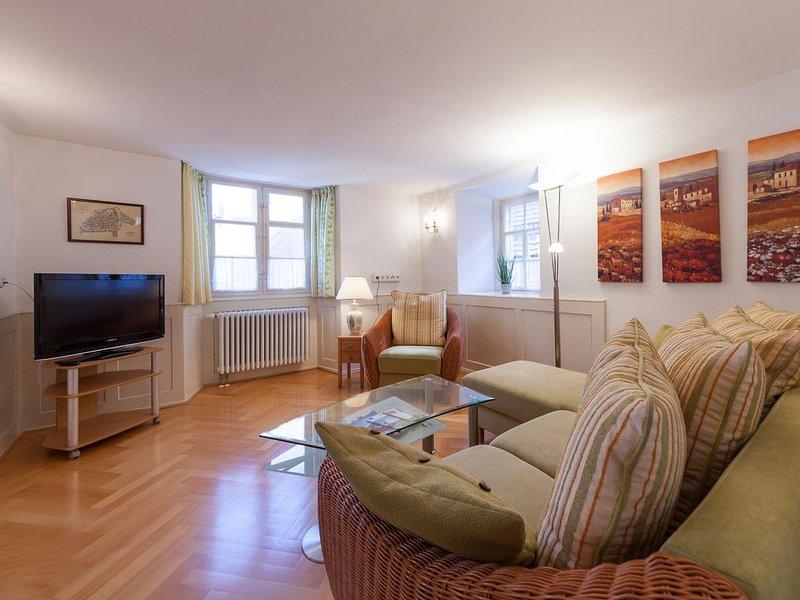 Ferienwohnung Historisches Arzthaus, mit ca. 91qm, 2 Schlafzimmer, für maximal, holiday rental in Bregenz