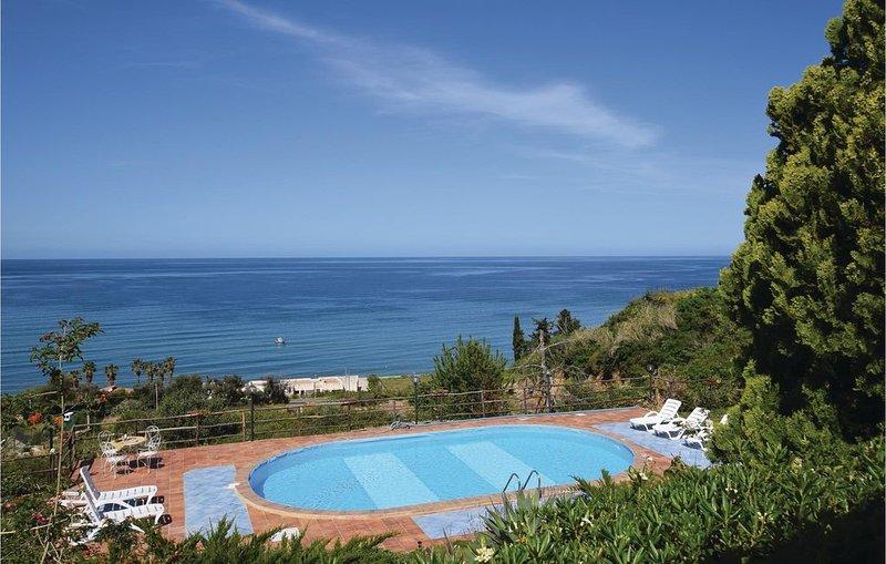 3 bedroom accommodation in Altavilla Milicia, holiday rental in Bolognetta