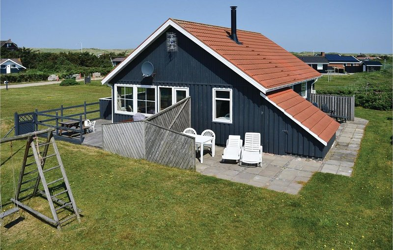 2 bedroom accommodation in Harboøre, location de vacances à Lyngs