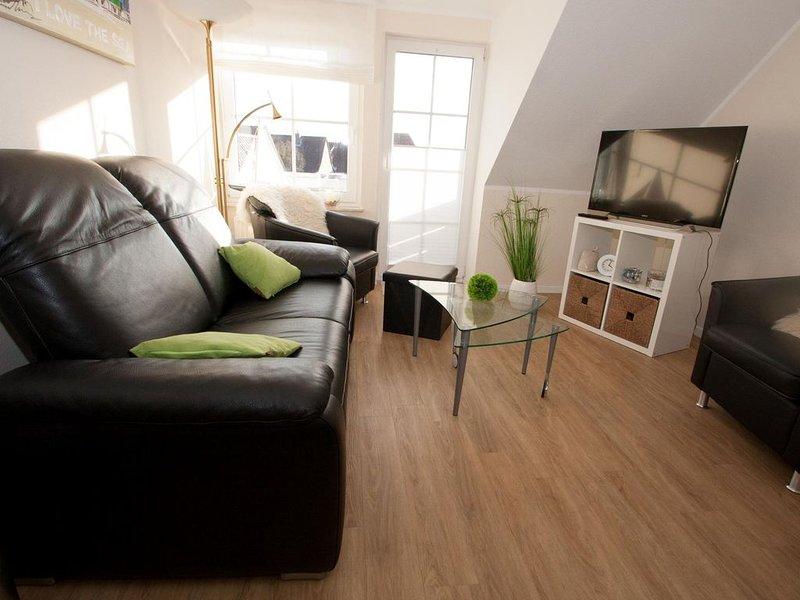 Apart und lauschig: Die entzückende Maisonette-Wohnung mit ihren ca., holiday rental in Carolinensiel