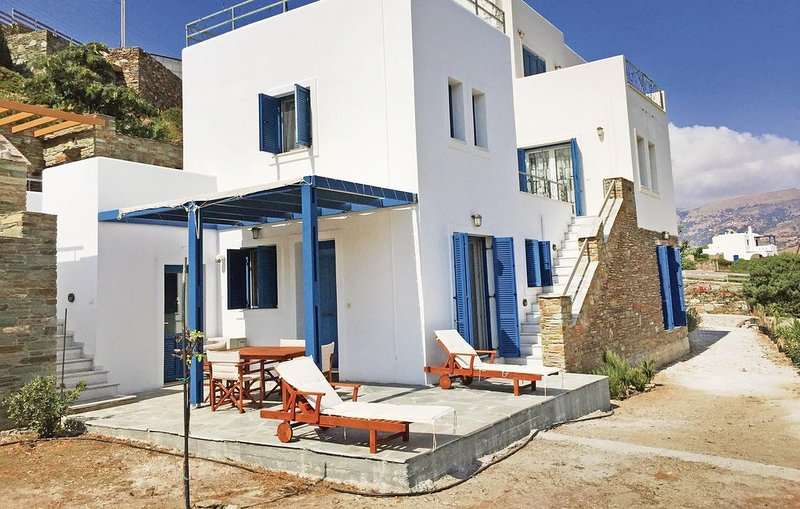 2 bedroom accommodation in Gavrio, holiday rental in Andros