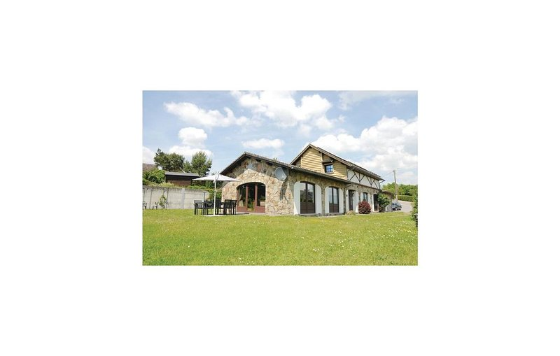 5 bedroom accommodation in Somme-Leuze, holiday rental in Heure