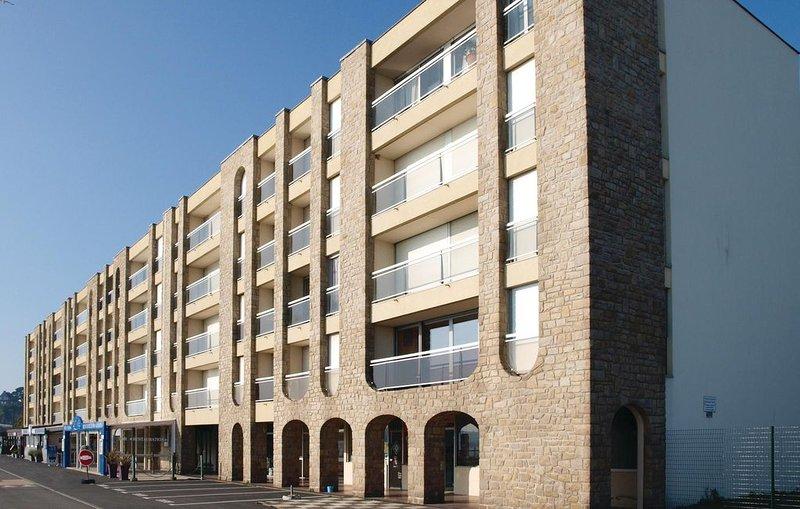 1 bedroom accommodation in Saint Cast Le Guildo, alquiler vacacional en Saint-Cast le Guildo