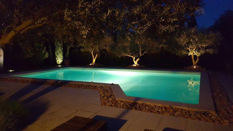 Maison Le Clos des Oliviers au cœur de la Provence en Vaucluse pour 4 personnes, aluguéis de temporada em Camaret-sur-Aigues
