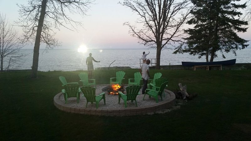 Private  Lakefront Cottage, vakantiewoning in Gimli