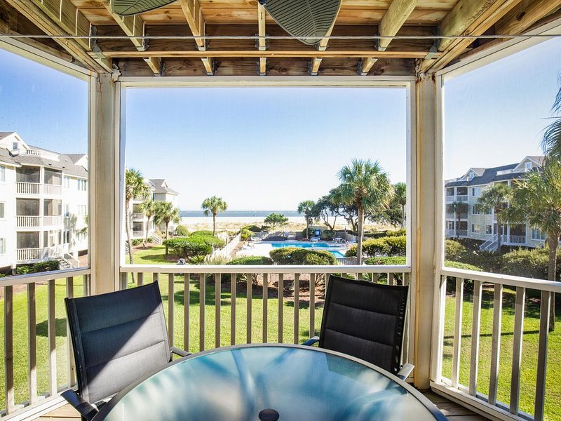 Oceanfront Condo in Wild Dunes. What a View!, alquiler de vacaciones en Isle of Palms