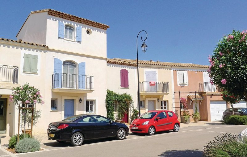 3 bedroom accommodation in Aigues-Mortes, vacation rental in Aigues-Mortes