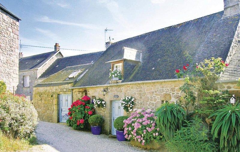1 bedroom accommodation in Reville, location de vacances à Montfarville