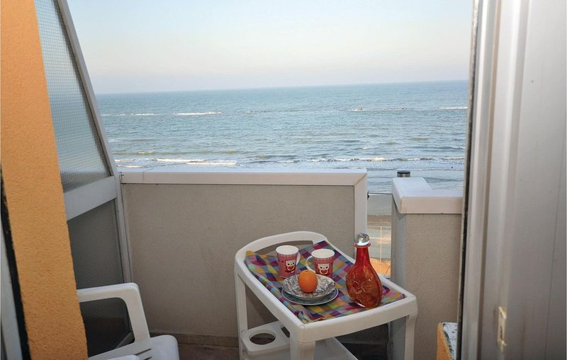 1 bedroom accommodation in Torrette di Fano, holiday rental in Stacciola