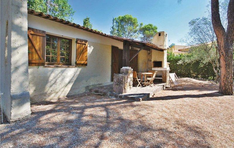 2 bedroom accommodation in La Bouverie, holiday rental in Bagnols-en-Foret