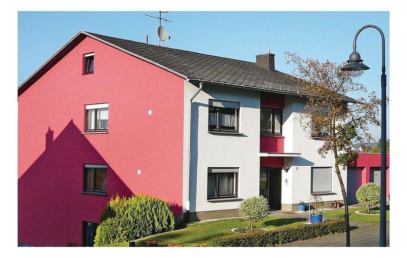 2 bedroom accommodation in Hermeskeil, holiday rental in Bruecken
