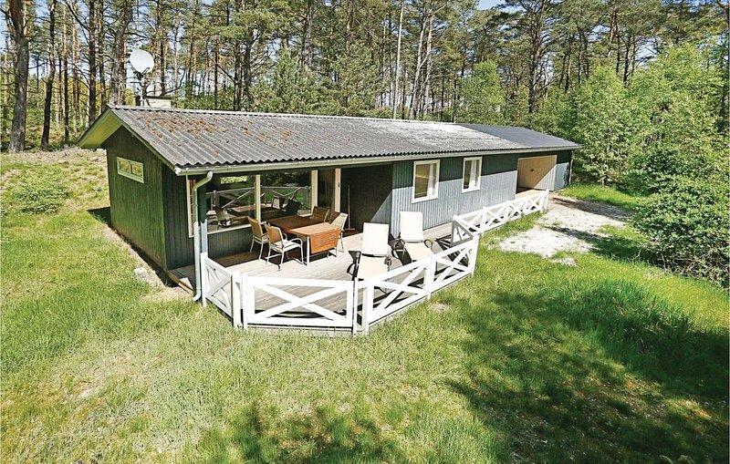 3 bedroom accommodation in Nexø, location de vacances à Pedersker