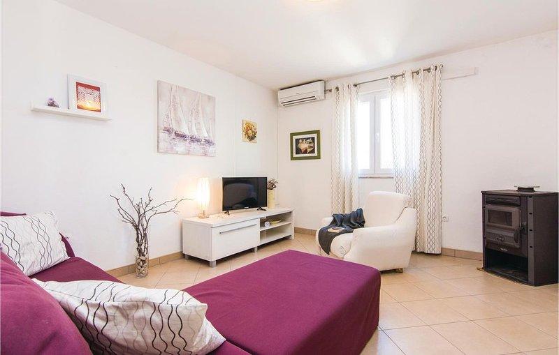 2 bedroom accommodation in Slivnica Gornja, casa vacanza a Vinjerac