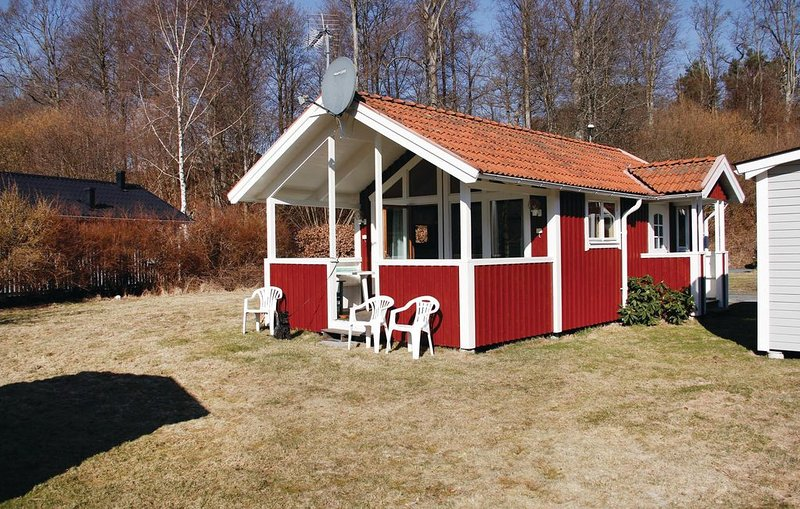 2 bedroom accommodation in Karlshamn, location de vacances à Morrum