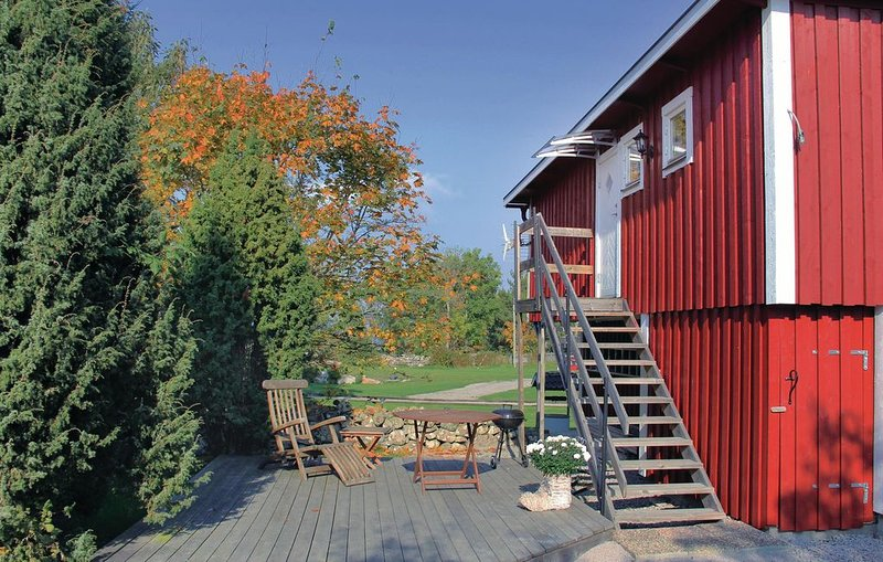 1 bedroom accommodation in Tjurkö, holiday rental in Orranas