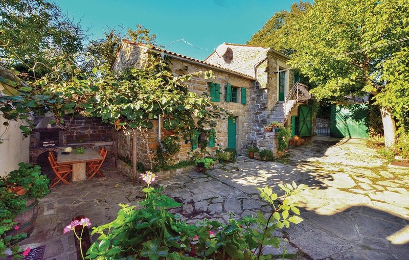 2 bedroom accommodation in Smarje, holiday rental in Slovenian Istria