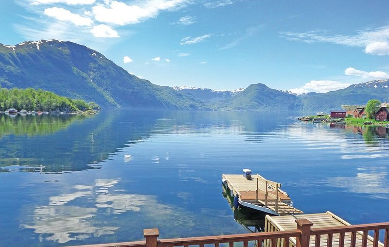 2 bedroom accommodation in Åkra, vacation rental in Vindafjord Municipality