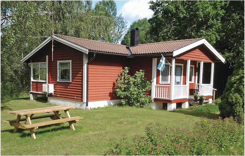 2 bedroom accommodation in Åmål, location de vacances à Edsleskog