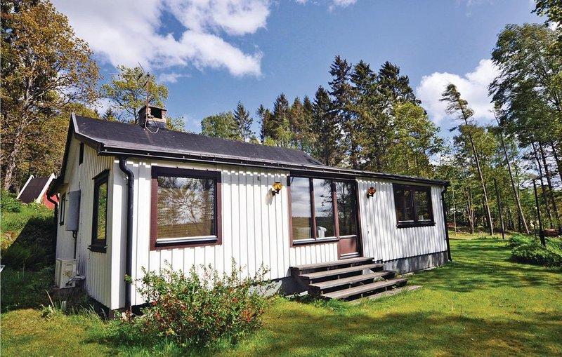 2 bedroom accommodation in Uddevalla, vacation rental in Varekil
