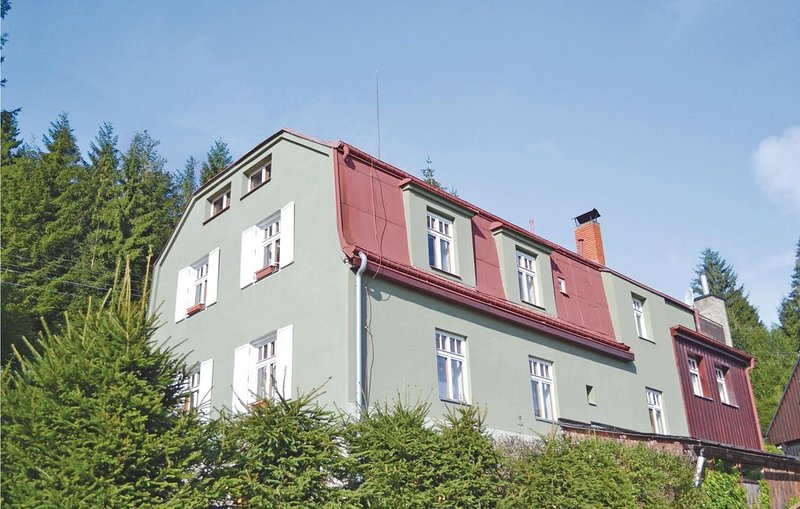 8 bedroom accommodation in Bedrichov-Hranicna, holiday rental in Mnisek