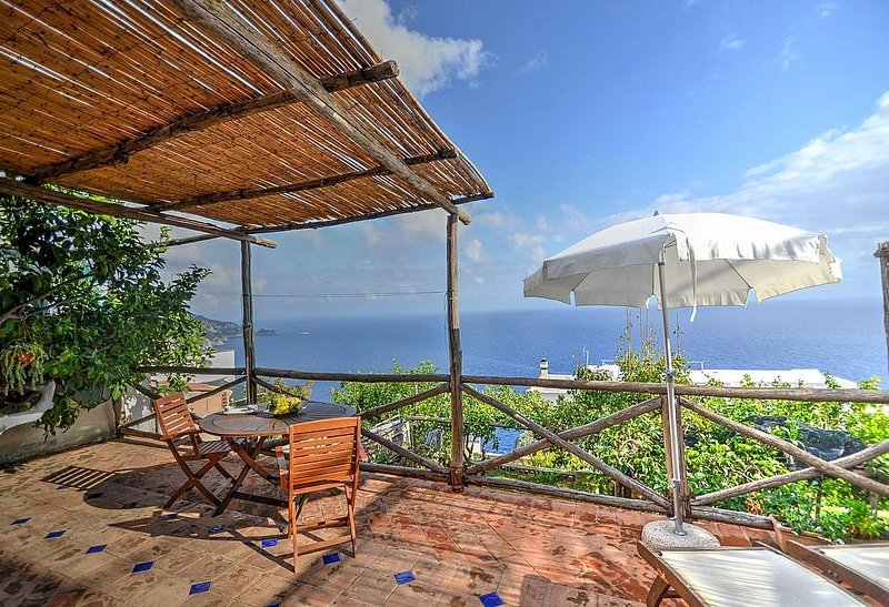 Casa Chicca is a graceful cottage built on the sloping cliff in front of the se, vacation rental in Praiano