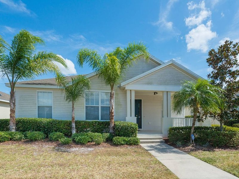 Family home/near Disney/Pool & Spa/WiFi/Self check-in-out/ Cleanliness Standards, alquiler de vacaciones en Poinciana