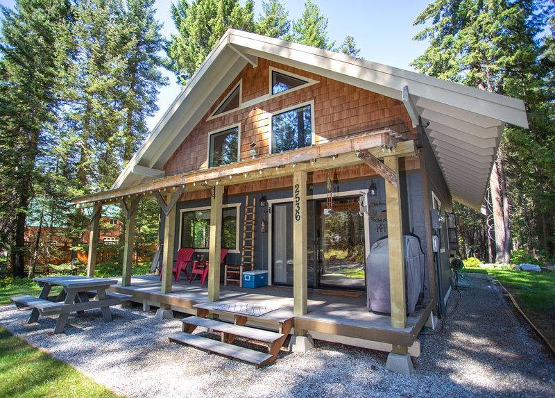 The Black Bear Cabin located mins from leavenworth wa. Sleeps 8, vacation rental in Leavenworth