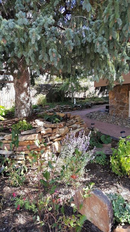 Un des nombreux jardins à apprécier.