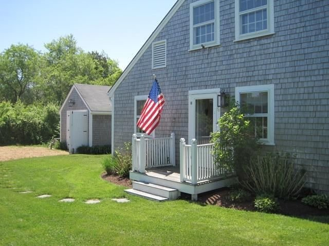 Walk to Town, Bike to Beach, Pet Friendly, Flexible Arrival/Departure Dates, holiday rental in Edgartown