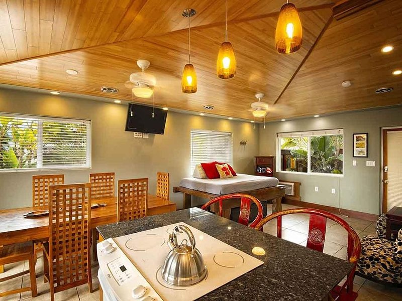 Bamboo 2: 2bdrm/2 ba at Tiki Moon Villas, vacation rental in Laie