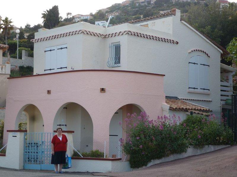 Villa-Maison Santa Lucia climatisée face a la mer avec jacuzzi - 5 personnes, vacation rental in Agay