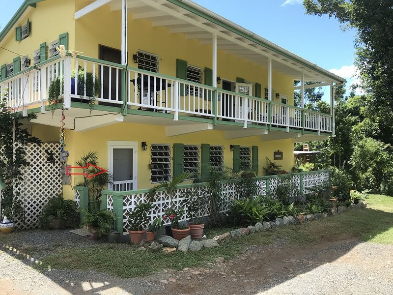 Clean, Comfortable and Family Friendly!!, holiday rental in Cruz Bay
