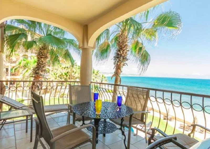 Beach Lover And Surfer Paradise! Lovely Condo With Stunning Water Views!, location de vacances à San Jose Del Cabo