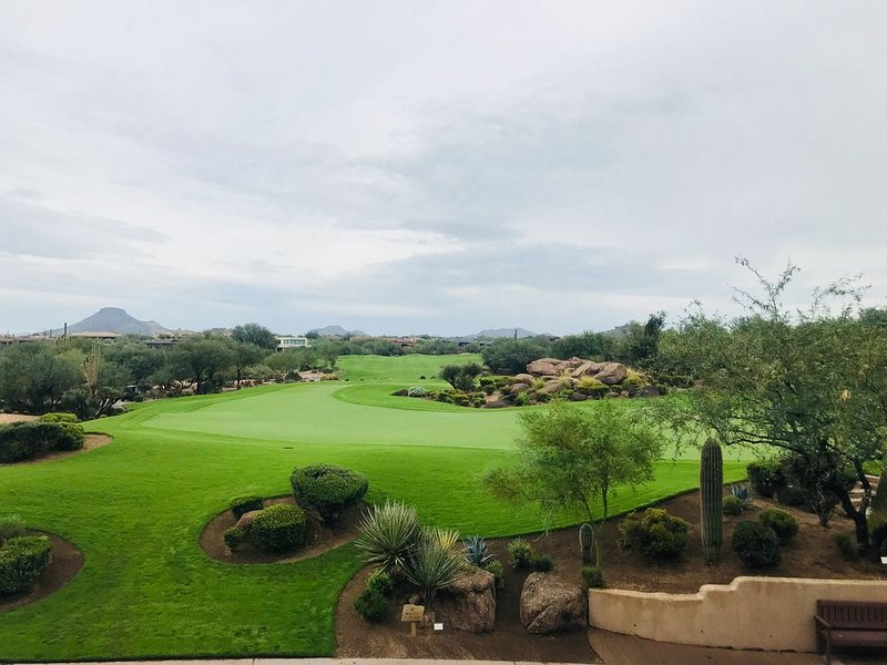 Luxury Golf Condo, Newly Renovated, Located at Troon North, vacation rental in Carefree